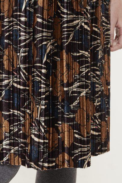 Velvety Pleats Skirt (4)