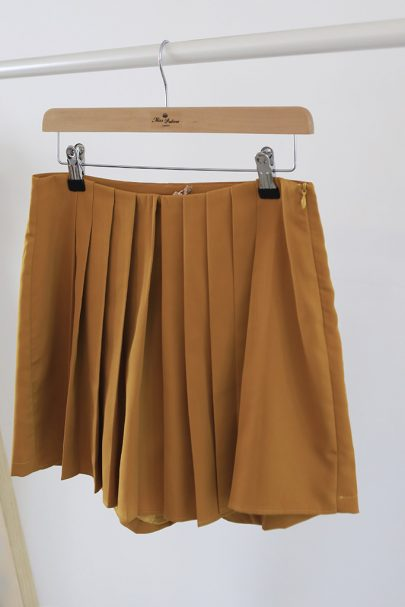 Twist & Shout Shorts (mustard) (2)