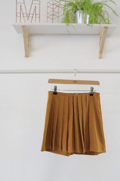 Twist & Shout Shorts (mustard) (1)